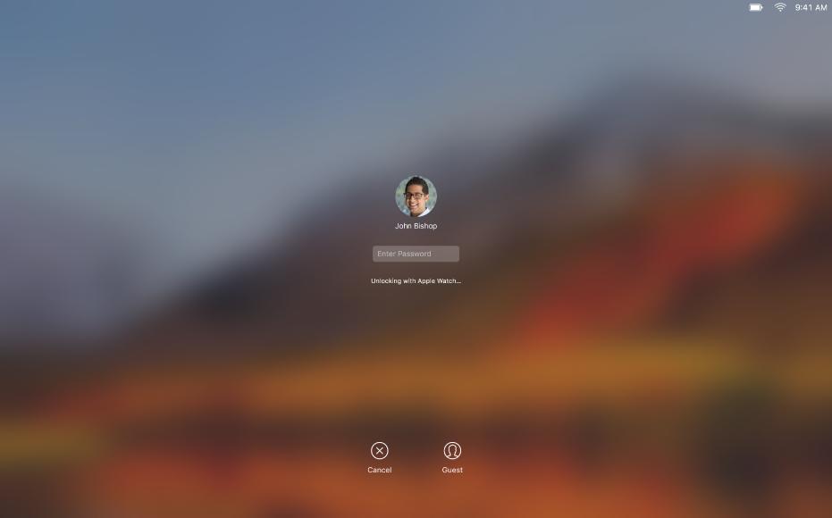 หน้าจอปลดล็อคโดยอัตโนมัติที่มีข้อความอยู่ที่กึ่งกลางหน้าจอแสดงว่า Apple Watch กำลังปลดล็อค Mac