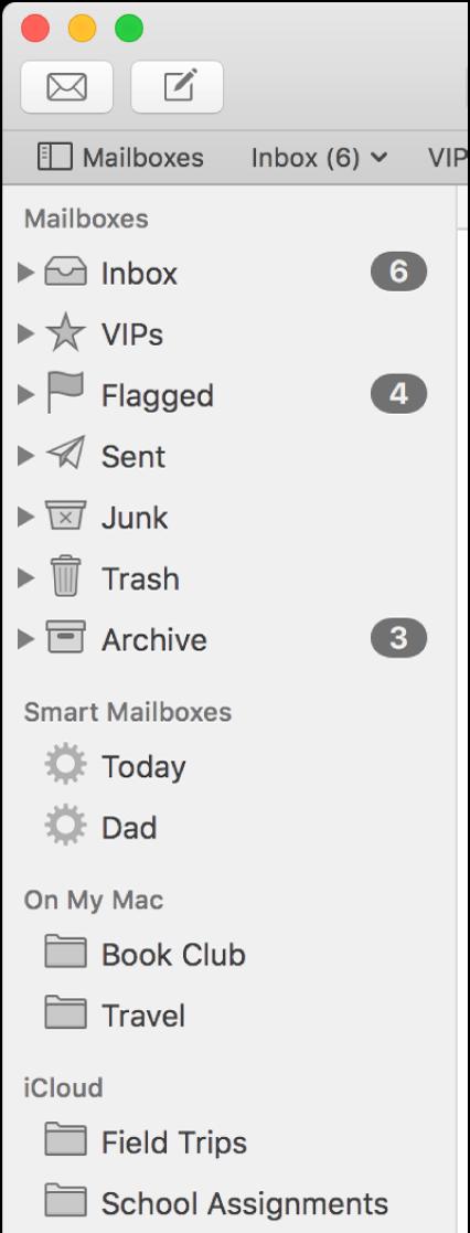 """La barra lateral de Mail mostrando los buzones estándar (como Entrada y Borradores) en la parte superior de la barra lateral, y los buzones creados en las secciones """"En mi Mac"""" y iCloud."""