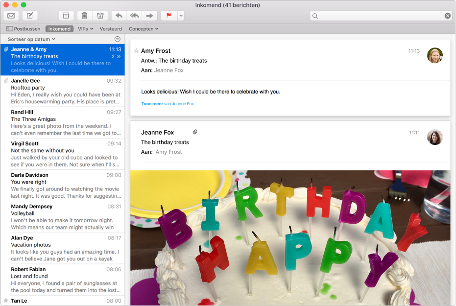 Het venster van Mail met de berichtenlijst en een bericht met afbeeldingen in het voorvertoningsgebied.