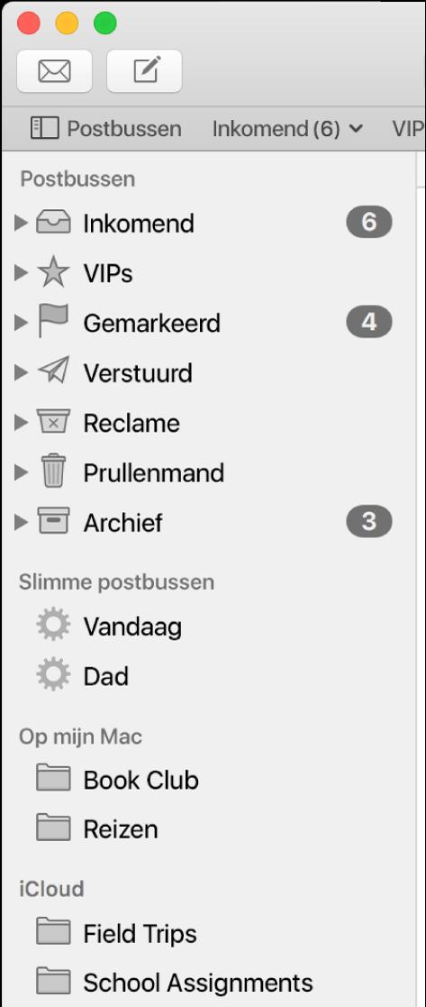 De navigatiekolom van Mail met bovenaan de standaardpostbussen (zoals 'Inkomend' en 'Concepten'), en daaronder postbussen die je hebt aangemaakt in de gedeelten 'Op mijn Mac' en 'iCloud'.