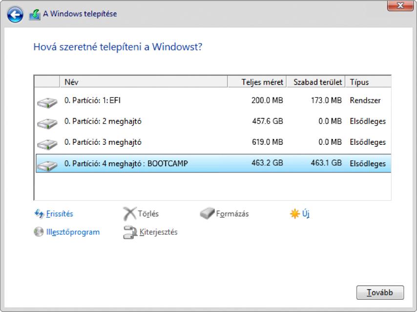 """A Windows Telepítőben, a """"Hová szeretné telepíteni a Windowst?"""" párbeszédpanel meg van nyitva, és a BOOTCAMP partíció ki van jelölve."""