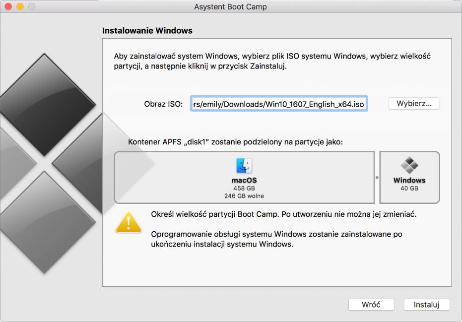 Okno Asystenta BootCamp podczas instalowania. Na dole po prawej znajduje się przycisk Instaluj, natomiast po lewej znajduje się przycisk Wróć.
