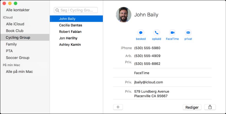 Vindue i Kontakter som viser indholdsoversigten med grupper som Bogklub eller Cykelgruppe, og knappen til tilføjelse af en ny kontakt eller gruppe nederst på et kontaktkort.