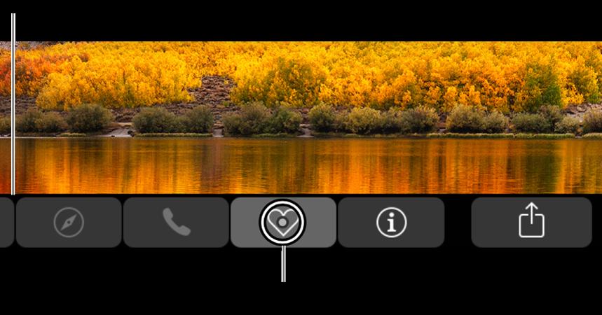 Lähennetty TouchBar näytön alareunassa. Painikkeen ympyröinti muuttuu, kun se valitaan.