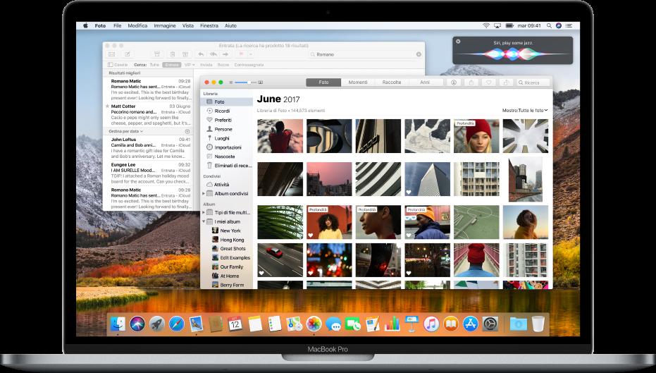 Un computer Mac che mostra delle app aperte sulla scrivania.