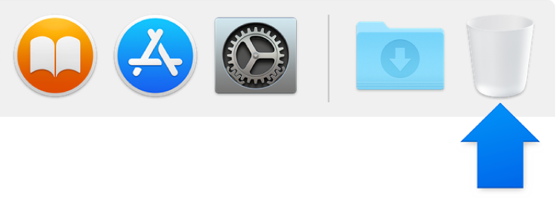 A blue arrow pointing to the Trash icon in the Dock.