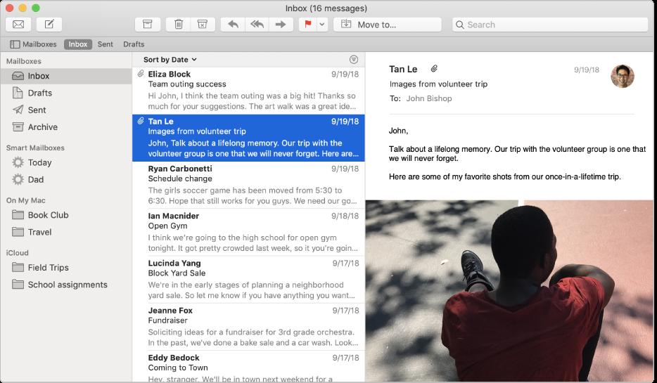 Boční panel vokně Mailu sněkolika zobrazenými přihrádkami na příchozí poštu pro účet iCloud