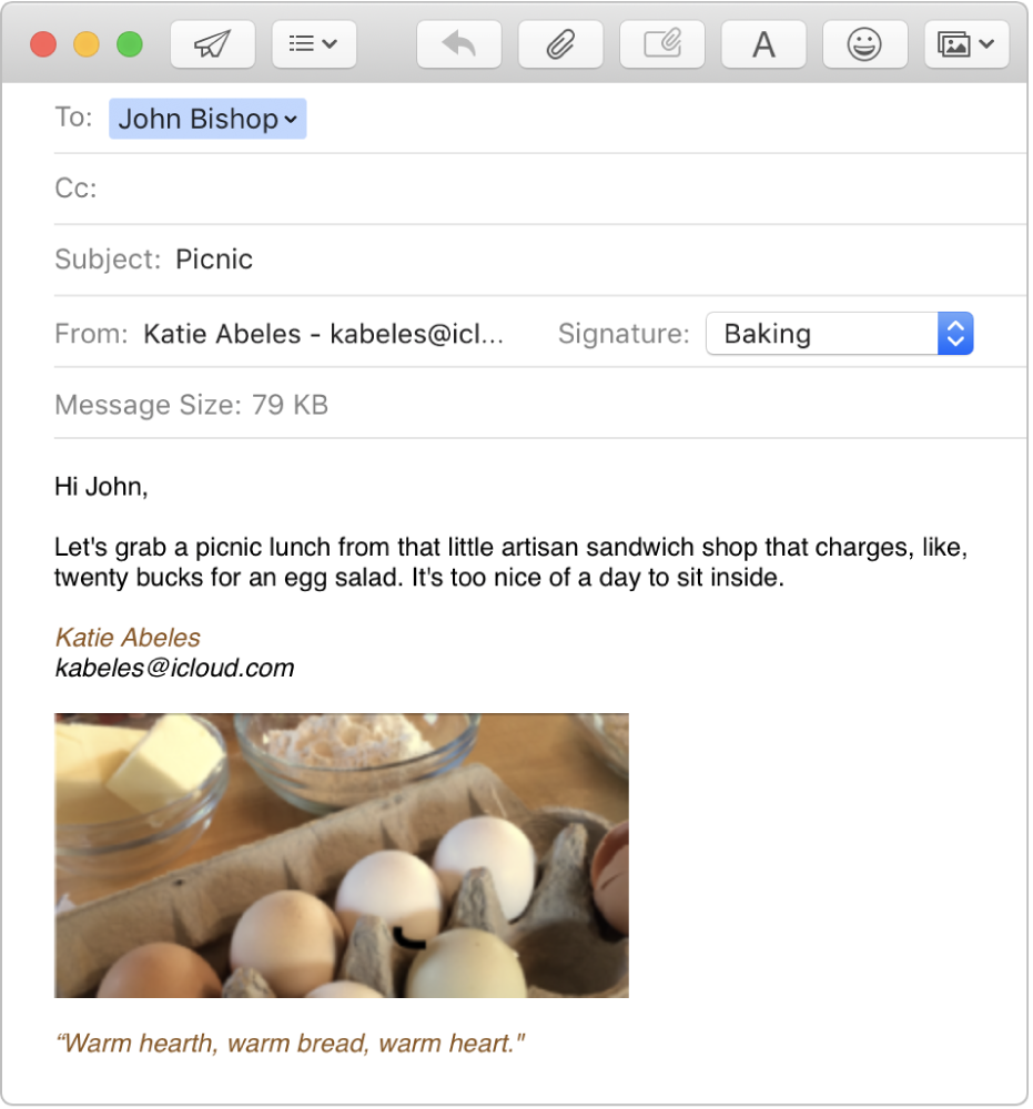 Un e-mail en cours de rédaction possédant une signature avec une image et du texte formaté.