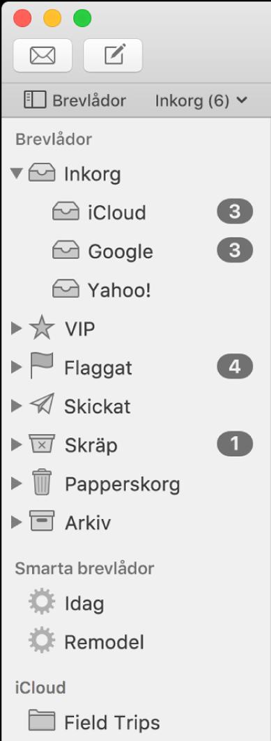 Sidofältet i Mail visar olika konton och brevlådor. Ovanför sidofältet finns knappen Brevlådor (i favoritfältet) som du klickar på om du vill visa eller gömma sidofältet