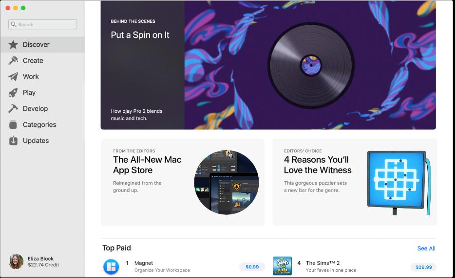 A página principal da Mac App Store. A barra lateral à esquerda inclui links para outras páginas: Descubra, Crie, Trabalhe, Jogue, Desenvolva, Categorias e Atualizações. À direita, estão as áreas clicáveis, incluindo Atrás dos Bastidores, Dos Editores e Escolha dos Editores.