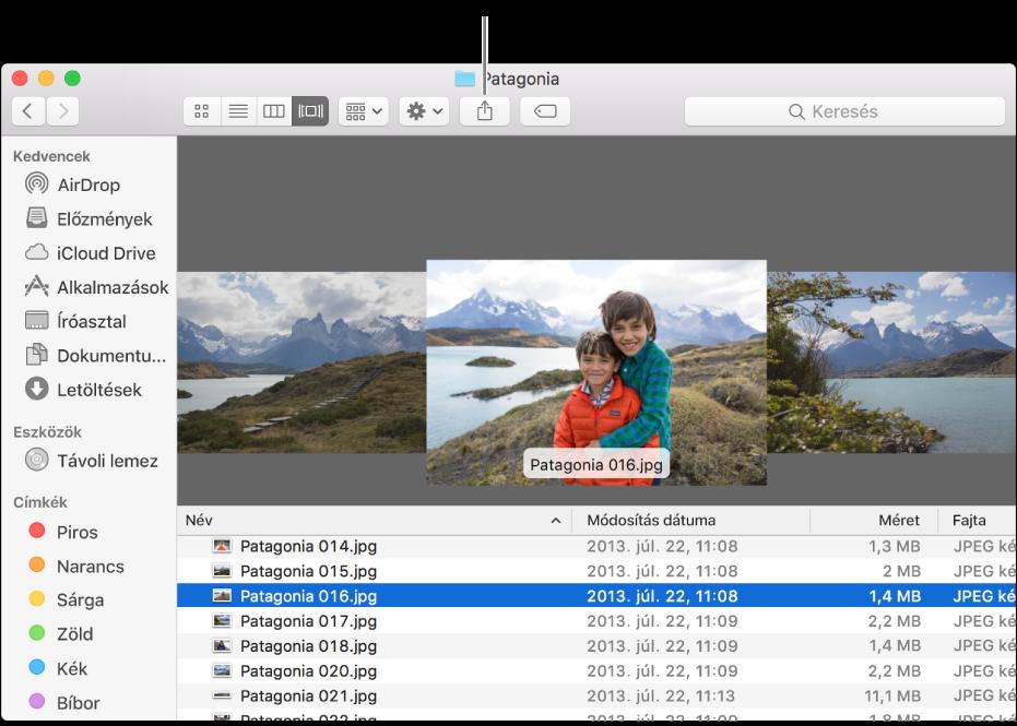 A Megosztás gomb a Finder-ablak eszközsorán.