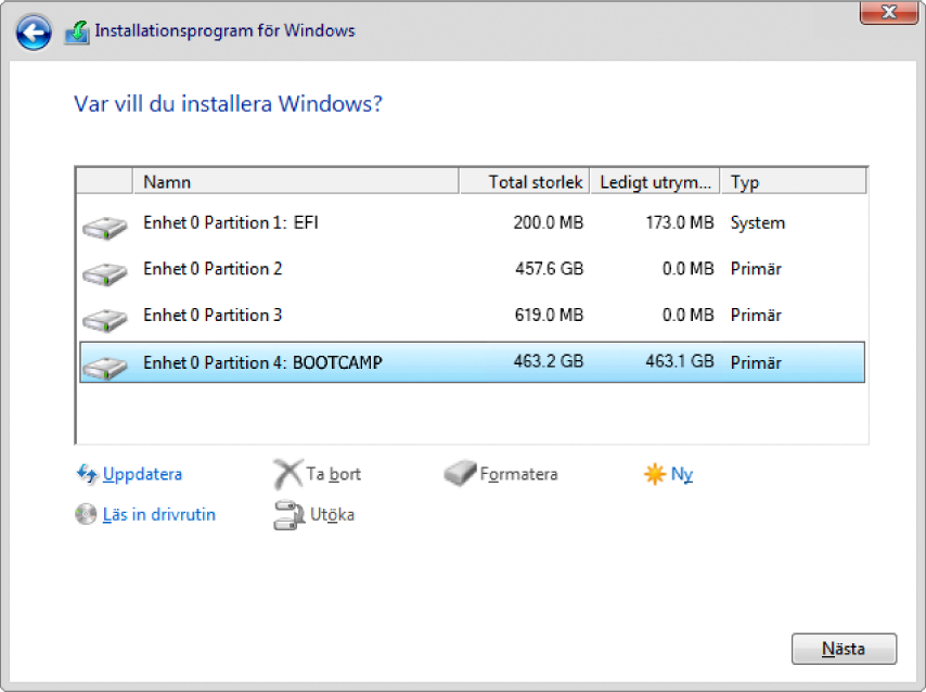 """Dialogrutan """"Var vill du installera Windows?"""" är öppen i Windows-inställningen och partitionen BOOTCAMP är markerad."""