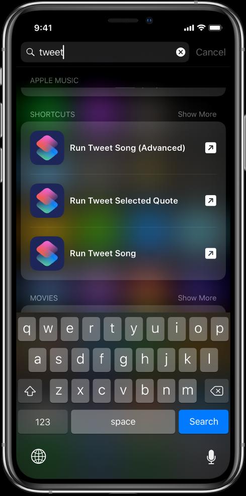iOS-søk for snarveisøkeordet «tweet», og resultatet av søket: Tweet sang (avansert)-snarveien, Tweet valgt sitat-snarveien og Tweet sang-snarveien.