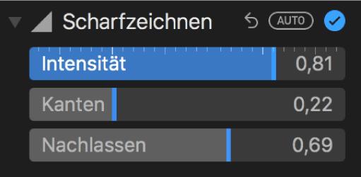 """Die Steuerungen für das Scharfzeichnen im Bereich """"Anpassen""""."""
