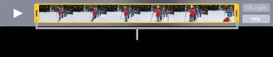 Các bộ điều khiển cắt ngắn màu vàng trong clip video.