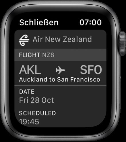 Apple Watch, auf der eine Bordkarte zu sehen ist