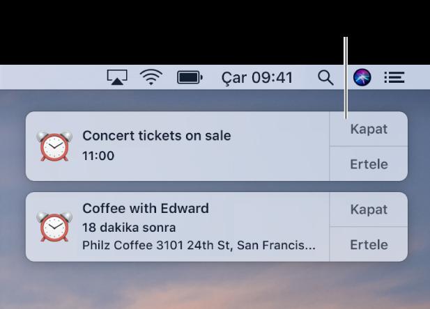Ekranın sağ üst köşesinde Takvim uygulamasından gelen bildirimler.