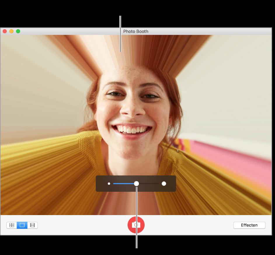 Het Photo Booth-venster met een voorvertoning van het vervormingseffect en de schuifknop voor het aanpassen van het vervormingseffect.