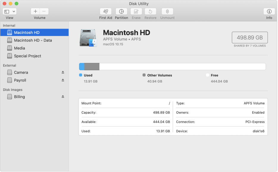 Jendela Utilitas Disk, menampilkan volume APFS pada disk internal, volume pada disk eksternal, dan image disk.