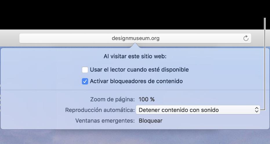 """El cuadro de diálogo que aparece debajo del campo de búsqueda inteligente cuando eliges Safari> """"Ajustes para este sitio web…"""". El cuadro de diálogo contiene opciones para personalizar cómo navegas por el sitio web actual, incluido el uso de la vista del lector, la activación de los bloqueados res de contenido y otras opciones."""