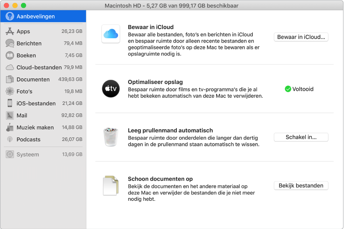 Het voorkeurenvenster 'Aanbevelingen' met instellingen voor opslag, met daarin de opties 'Bewaar in iCloud', 'Optimaliseer opslag', 'Leeg prullenmand automatisch' en 'Schoon documenten op'.