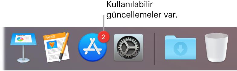 App Store simgesini kullanılabilir güncellemeler olduğunu belirten bir işaretle gösteren Dock'ın bir kısmı.