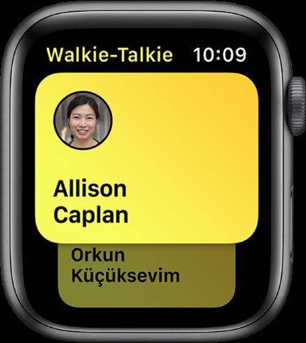 Skrin Walkie Talkie menunjukkan kenalan.