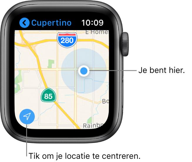 De Kaarten-app met een kaart; tik op de pijl linksonderin om je huidige locatie in het midden weer te geven; je locatie wordt met een blauwe stip op de kaart aangegeven.
