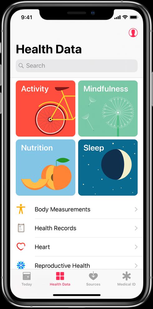 Екранът Health Data (Здравна информация) на приложението Health (Здраве) с категориите Activity (Активност), Mindfulness (Внимание), Nutrition (Хранене) и Sleep (Сън). Бутонът Profile (Профил) е горе вдясно. В долния край, отляво надясно са бутоните Today (Днес), Health Data (Здравна информация), Sources (Източници) и Medical ID (Медицински идентификатор).
