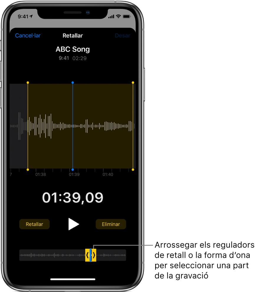 La gravació que s'està retallant, amb els marcadors de retallada que emmarquen una part de la forma d'ona de l'àudio a la part inferior de la pantalla. A sobre de la forma d'ona hi ha el botó Reproduir i un temporitzador de la gravació. Els marcadors de retallada es troben a sota del botó Reproduir.