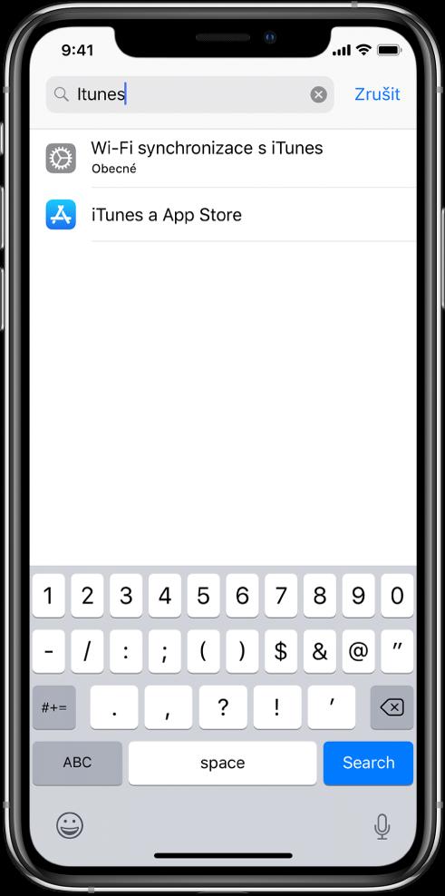 """Obrazovka hledání vnastavení svyhledávacím polem na horním okraji. Vyhledávací pole obsahuje hledaný řetězec """"iTunes"""" apod ním se zobrazují dvě nalezené položky nastavení."""