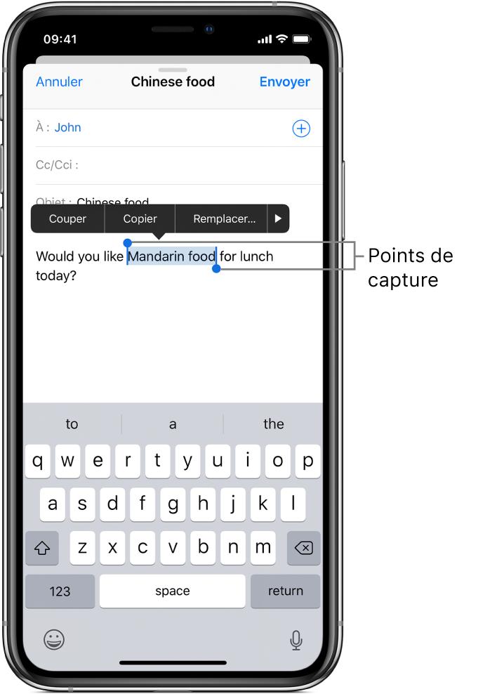 Un exemple d'e-mail avec une partie du texte sélectionné. Au-dessus de la sélection se trouvent les boutons Couper, Copier, Coller, gras/italique/souligné, et Plus. Le texte sélectionné est mis en évidence, avec des poignées de chaque côté.