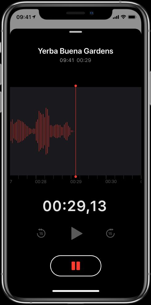 Écran Dictaphone montrant un enregistrement en cours.