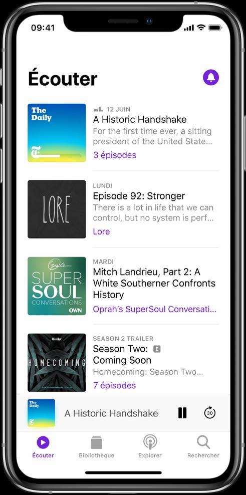 L'onglet Écouter affichant les podcasts récemment mis à jour.