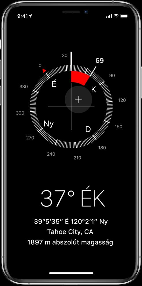 Az Iránytű alkalmazás képernyője, amelyen az aktuális helyzet és az abszolút magasság látható, ezenkívül az az irány, amely felé az iPhone néz.