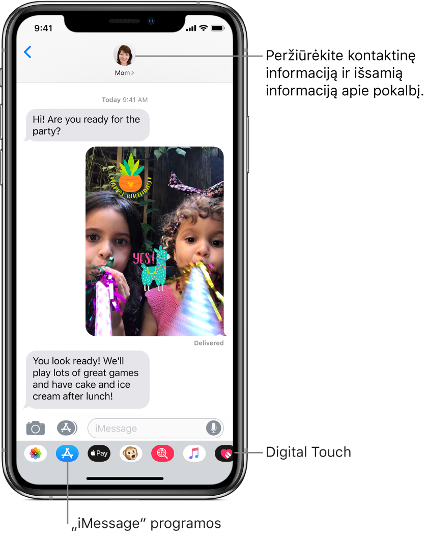 """""""Messages"""" pokalbis. Viršuje, iš kairės į dešinę, yra grįžimo atgal mygtukas ir asmens, su kuriuo bendraujate, nuotrauka. Centre yra pokalbio metu išsiųstos ir gautos žinutės. Apačioje, ir kairės į dešinę, yra mygtukai """"Photos"""", """"Stores"""", """"ApplePay"""", """"Animoji"""", """"Hashtag Images"""", """"Music"""" ir """"Digital Touch""""."""