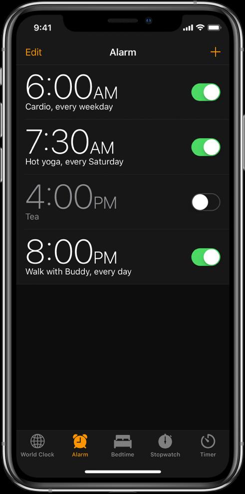 """Skirtukas """"Alarm"""", kuriame rodomi keturi skirtingo laiko žadintuvai."""