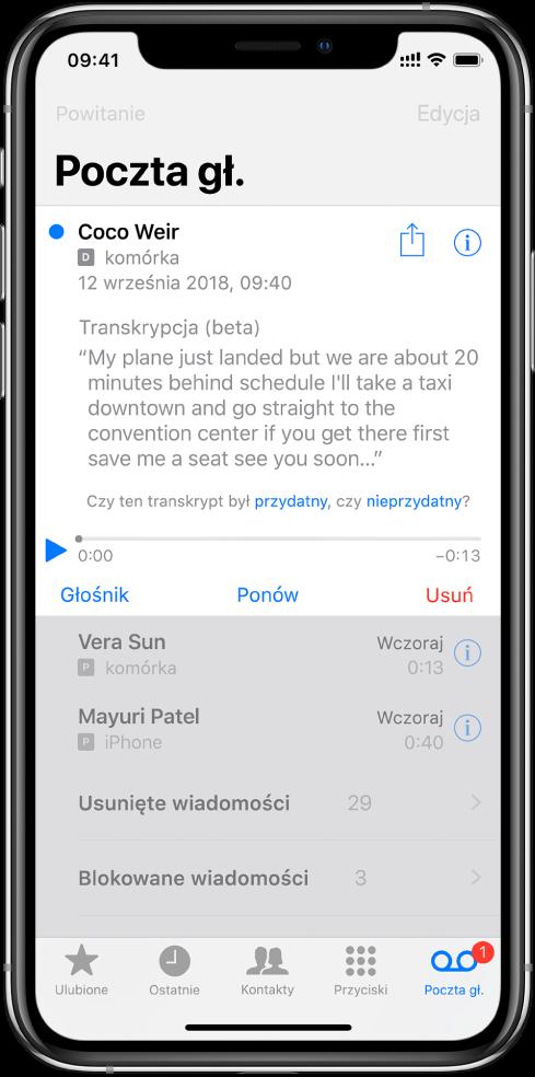 Ekran poczty głosowej. Na górze ekranu znajduje się pasek tytułowy zprzyciskiem powitania po lewej oraz przyciskiem edycji po prawej. Pod paskiem tytułowym wyświetlana jest lista dzwoniących, którzy zostawili wiadomości poczty głosowej. Niebieska kropka oznacza, że wiadomość nie została odsłuchana. Stuknięcie wwiadomość wyświetla narzędzia odtwarzania, atakże przyciski głośnika, oddzwaniania iusuwania. Przyciski informacji obok każdej zwiadomości pozwala wyświetlić dane kontaktowe dzwoniącego, jeśli są dostępne.