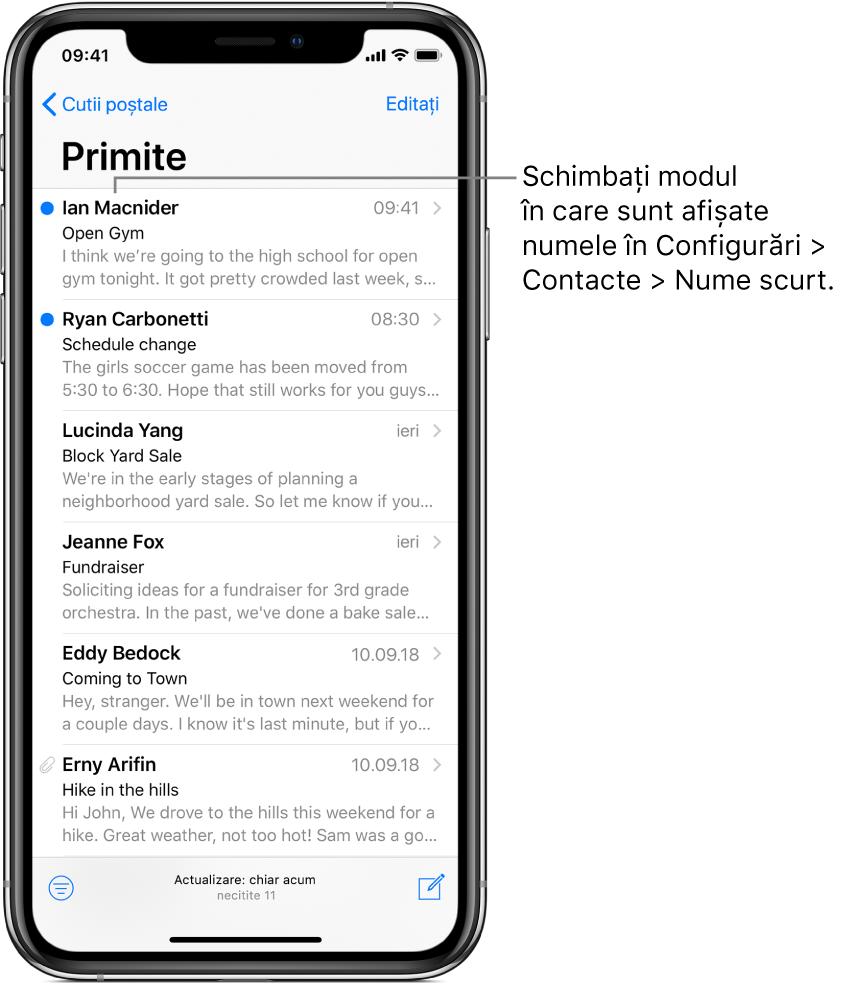 Previzualizarea unui e‑mail din cutia poștală Primite, afișând numele expeditorului, ora la care a fost trimis e‑mailul, linia de subiect și primele două linii ale mesajului. Pentru a schimba modul în care sunt afișate numele, accesați Configurări> Contacte> Nume scurt.