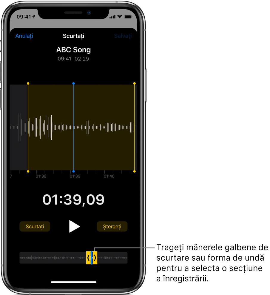 Înregistrare în curs de scurtare, cu mânerele de scurtare încadrând o porțiune a formei de undă audio în partea de jos a ecranului. Butonul Redați și temporizatorul de înregistrare apar deasupra formei de undă. Mânerele de scurtare se află sub butonul Redați.