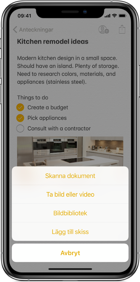 En anteckning med infogningsmenyn som visar alternativ för att skanna dokument, ta bilder eller spela in video, bildbibliotek eller att lägga till en skiss.