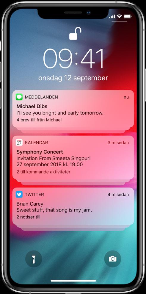 Tre notisgrupper på låsskärmen: fem meddelanden, tre Kalender-inbjudningar och tre Twitter-notiser.