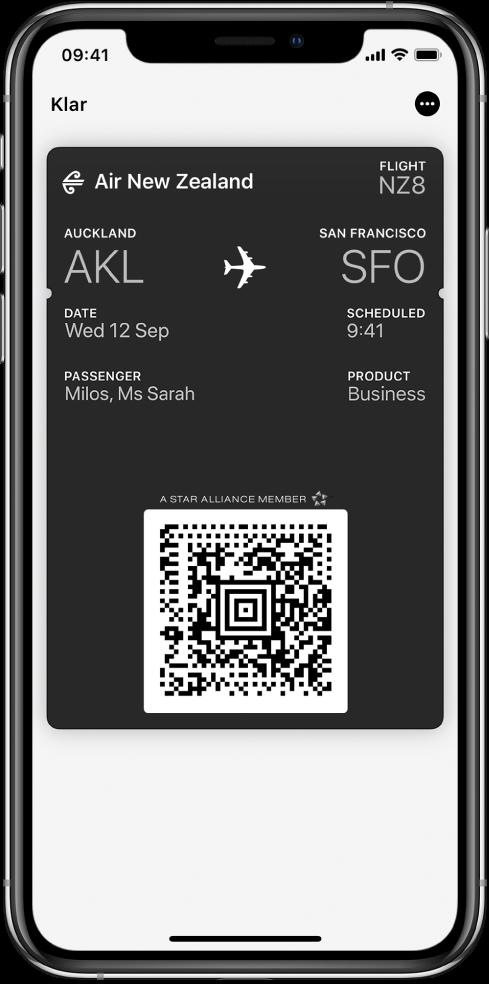 Ett boardingkort i Wallet som visar flyginformation och QR-koden längst ned.