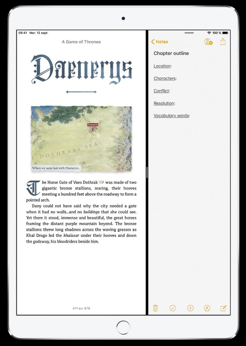 L'écran de l'iPad montrant la fonctionnalité SplitView. L'app Livres est ouverte sur le côté gauche de l'écran et l'app Notes est ouverte sur la droite.