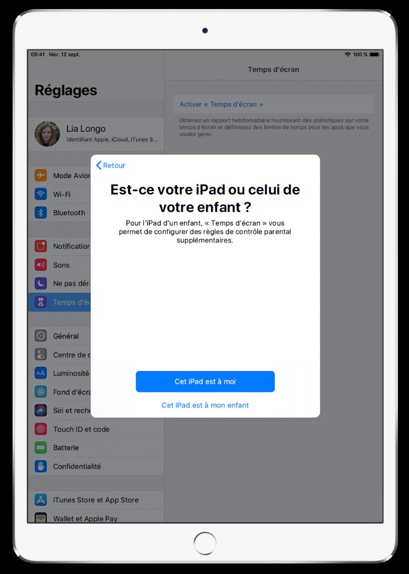 Un écran de configuration de «Temps d'écran» montrant l'option pour sélectionner «Cet iPad est à moi» ou «Cet iPad est à mon enfant».
