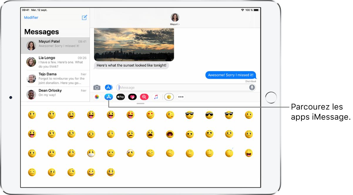 Une fenêtre Messages, avec le bouton Navigateur d'apps sélectionné. Le tiroir d'apps ouvert affiche des autocollants d'émoticônes.