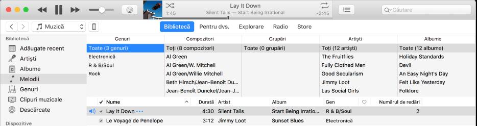 Fereastra principală iTunes: Browserul de coloane apare în partea dreaptă a barei laterale și deasupra listei de melodii.
