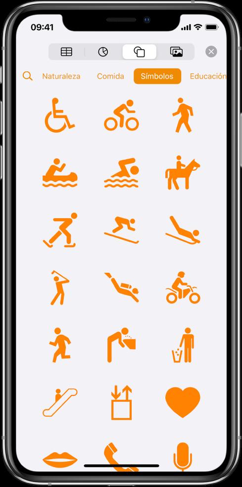 El menú Insertar con botones en la parte superior para agregar tablas, gráficas, figuras y contenido multimedia. Se selecciona Formas y su menú muestra una fila de categorías con el botón Buscar en la izquierda. Se selecciona la categoría Actividades y abajo aparecen figuras.