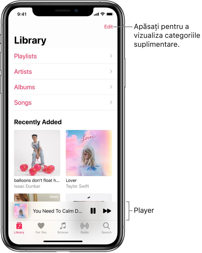 Ecranul Bibliotecă afișând o listă de categorii, inclusiv Liste de redare, Artiști, Albume și Melodii. Antetul Adăugate recent apare sub listă. Player afișând titlul melodiei curente, cu butoanele Suspendați și Înainte în apropierea părții de jos.