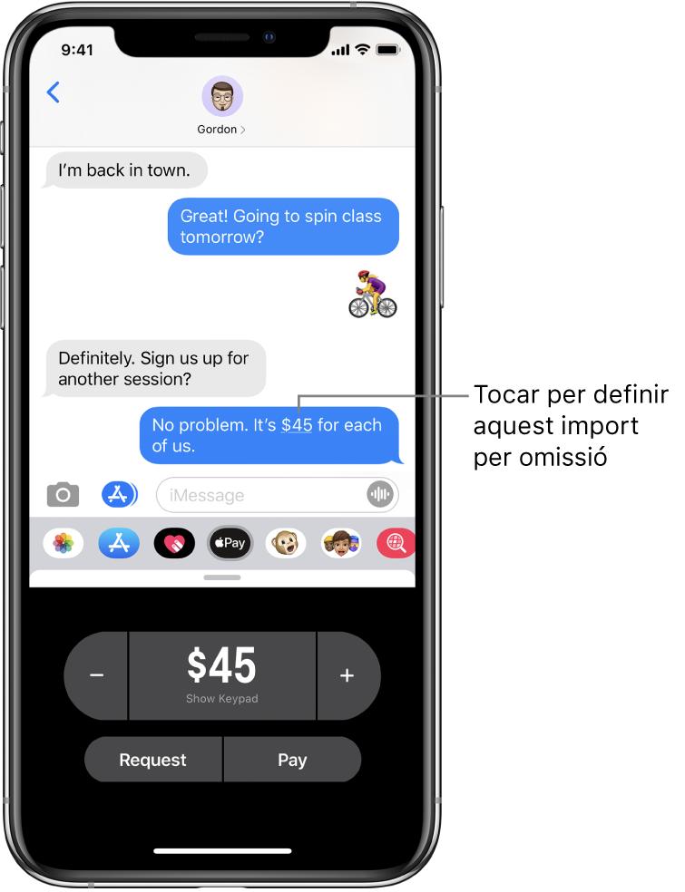 Conversa de l'iMessage amb l'app ApplePay oberta a la part inferior.